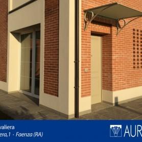 Particolare tettoia villa interno 8 Borgo Cavaliera