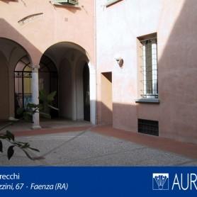 Veduta_Palazzo_Grecchi_02