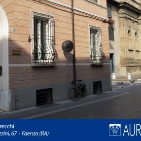 Veduta_Palazzo_Grecchi_04