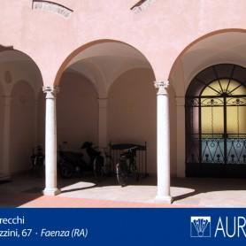 Veduta_Palazzo_Grecchi_14