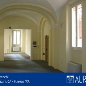 Veduta_Palazzo_Grecchi_15
