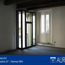 Veduta_Palazzo_Grecchi_18